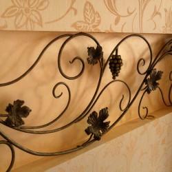 Кованый декоративный элемент интерьера