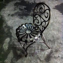 Цельнокованый стул